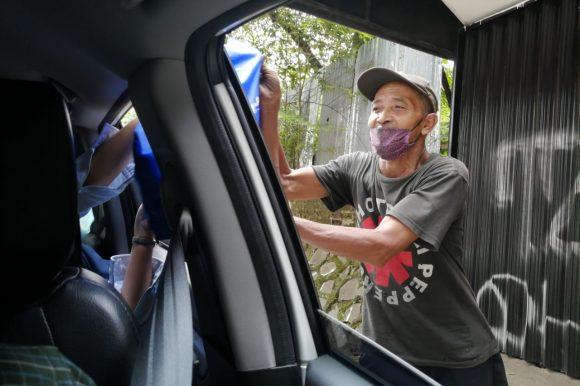 Perta Daya Gas Bagikan 50 Paket Sembako di Kawasan Jakarta