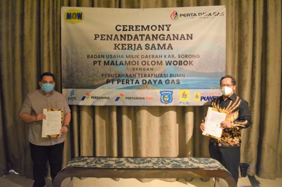 Penandatanganan Kerjasama Antara PT Malamoi Olok Wobok dan PT Perta Daya Gas