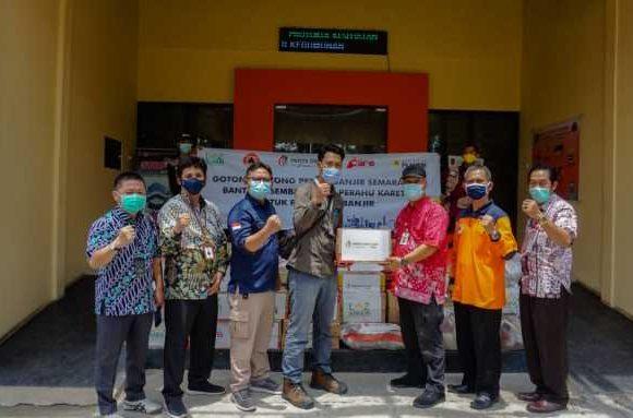 Aksi Kemanusiaan, PT IP Group Bantu Perahu Karet dan Sembako